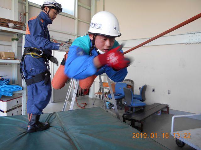 ロープ渡過訓練