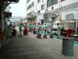 消火器による消火訓練