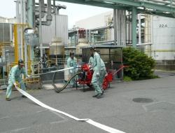 過般ポンプによる消火訓練