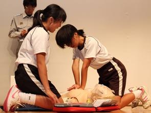 中学生の部 絶え間ない胸骨圧迫