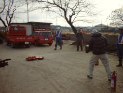 岩藤行政区員による初期消火訓練
