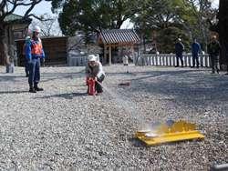 行政区民による初期消火訓練