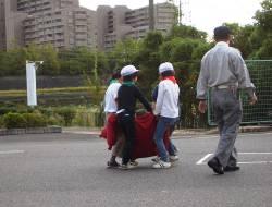 訓練人形を使用した搬送訓練