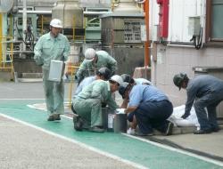 危険物流出防止及び回収訓練