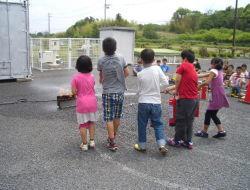 東郷町立兵庫小学校4年生114名が消防署見学に来署しました。
